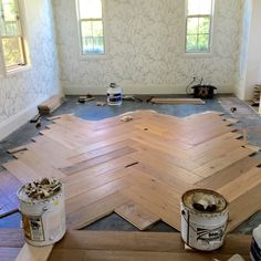 Keep your residence updated beginning from your surface. Make use of this self-help guide to the most popular 2019 laminate flooring trends and find fashionable, durable laminate flooring suggestio… Types Of Wood Flooring, Oak Laminate Flooring, Flooring Ideas, Herringbone Wood Floor, Light Hardwood Floors, Floor Colors, Furniture Plans, New Homes, Perfect Fit