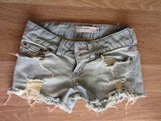 Wardrobe Resurrection: DIY Denim Cutoff's: Bleached and destroyed