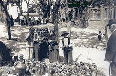 Hacia 1905. Un puesto de cacharros en la Pradera.
