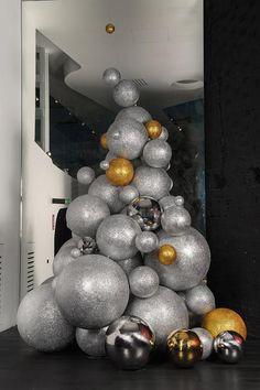 Ya está listo nuestro árbol de Navidad en A-cero In! | A-Cero blog - Joaquín Torres Architects