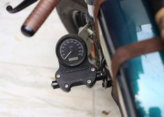 It's not everyday we get an email from the new tailor made motorcycle builder based inside India, despite the reality that the country has the billion-plus residents and #harleydavidsoncustomchopper #harleydavidsoncustomsportster #harleydavidsoncustomsoftail #harleydavidsoncustommotorcycles #harleydavidsoncustombaggers #harleydavidsoncustomdeluxe Custom Motorcycle Builders, Custom Bikes, Hd Motorcycles, Vintage Motorcycles, Harley Davidson Custom Bike, Custom Cafe Racer, Bike Design, Motorcycle Gear, Cool Bikes
