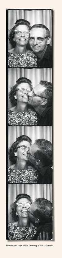 Ideas For Vintage Love Photography Romances Smile Vintage Kiss, Vintage Couples, Vintage Romance, Vintage Love, Vintage Pictures, Old Pictures, Vintage Images, Old Photos, Vintage Photo Booths