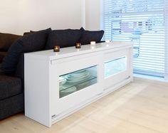 Valkoinen tilanjakotaso Linear ovilla joissa valkoiset kehykset ja kirkas lasi. Bench, Storage, Furniture, Home Decor, Purse Storage, Decoration Home, Room Decor, Larger, Home Furnishings