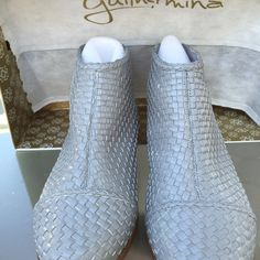 Guilhermina Mestico Cinza booties size 6 Brand new this fall sold out Anthropologie ordered and 2 big wore about 4 hours !! Grey woven zip back Anthropologie Shoes Ankle Boots & Booties