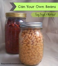 How to Can Dry Beans How to Can Beans: Tutorial (as always double-check the canning information to make sure that you use the correct methods, time, and pressure for your location — your local extension service should be able to tell you this information) Canning Beans, Canning Tips, Home Canning, Canning Food Preservation, Preserving Food, Sauce Creme, Canned Food Storage, Comida Latina, Dried Beans