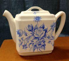 Lovely Santa Anita Ware teapot