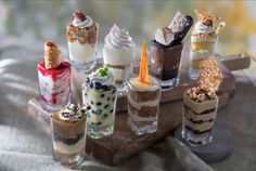 Indulge in excellence … with half the calories! Stop by @seasons52 Princeton for these post-dinner, bite-sized desserts. Mini Desserts, Tolle Desserts, Bite Size Desserts, Great Desserts, Dessert Recipes, Dessert Shots, Dessert Bars, Chocolate Meringue, Honey Chocolate
