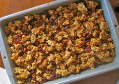 Super Crunchy Granola is a perfectly satisfyingly sweet that makes for a wonderful dessert as well as breakfast food. This easy granola recipe is full of healthy and all natural-ingredients. Healthy Dessert Recipes, Brunch Recipes, Healthy Snacks, Healthy Breakfasts, Eating Healthy, Drink Recipes, Clean Eating, Best Granola, Crunchy Granola