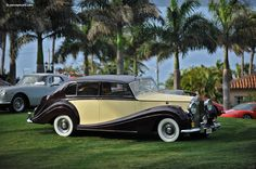 HJ Mulliner Rolls-Royce Silver Wraith Touring Limousine LELW92 1956 01