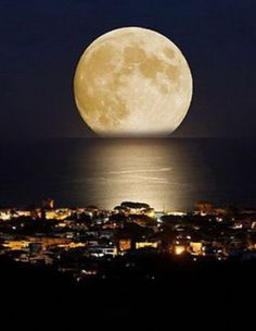 FullMoon in Florianopolis Brazil...... #Relax more with healing sounds: