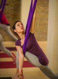 antigravity yoga (twist in stag)