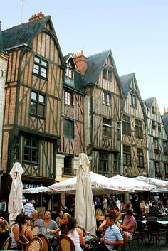 Tours, France. When I passed this place, everyone was wearing black. I was in hot pink.