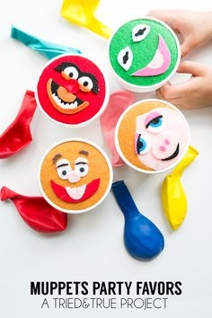 Muppet Party Favor - The perfect Muppet party favor! Includes free printable template and color suggestions. #muppetsmostwanted #childrensparty #partyfavors