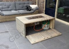 """Check out our internet site for more relevant information on """"fire pit diy cheap"""". It is an excellent area to get more information. Outdoor Fire Pit Table, Gas Fire Pit Table, Fire Pit Backyard, Backyard Patio, Diy Propane Fire Pit, Diy Fire Pit, Pallet Fire Pit, Backyard Seating, O Gas"""