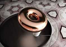 Lampe de table en marbre, cuivre et verre