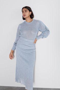 BLUZĂ DIN TRICOT CU DETALII STRĂLUCITOARE - TOPURI-FEMEI | ZARA România Zara, Cold Shoulder Dress, High Neck Dress, Sweaters, Dresses, Fashion, Tricot, Turtleneck Dress, Vestidos