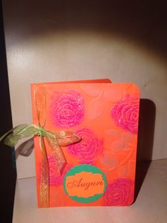 A card with Roses- embossed with Sizzix, inked and with a bit of hot embossed powder. Biglietto a rose- in rilievo, inchiostrato e con polvere sciolta a caldo.