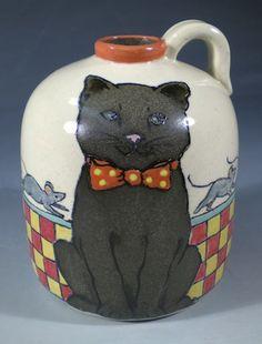 Знает ли это щеголеватый кот о  вся деятельность происходит за его спиной? Ручная роспись посуды с животных и собака искусства Нан Гамильтон Boston MA