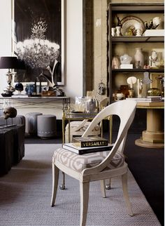cavalier...this blog sends you to another (la dolce vita) that has great idea idea for breakfast nook backed up to island instead of stools