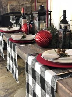 Christmas Dining Table, Christmas Table Settings, Christmas Tablescapes, Christmas Table Decorations, Holiday Tables, Decoration Table, Fall Table, Christmas Candles, Thanksgiving Table