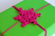 How To Make A Snowflake Gift Bow!