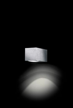 como down . outside luminaire . Außenleuchte . wall luminaire . Wandleuchte . aluminium brushed, anodized . Aluminium gebürstet, eloxiert . LED