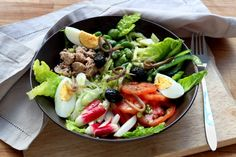 Comment faire une vraie salade niçoise ? - 16 photos