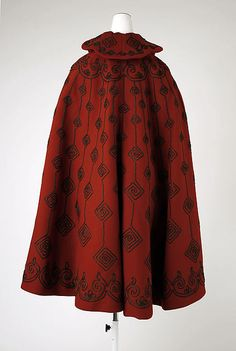 Cape (image 3) | American | 1890s | wool, silk | Metropolitan Museum of Art | Accession #: C.I.54.44.4