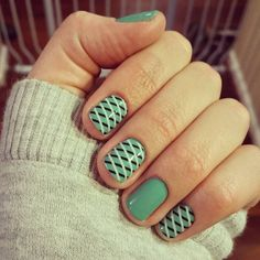 When I first saw this wrap in the new catalog, I admit I wasn't impressed. Then I saw it posted online on hands and I fell in love. This week's mani: 'Hint of Mint' lacquer with 'Overlap' wraps. ❤❤ #jamberry #manicure Jamicureswithcheri.jamberry.com