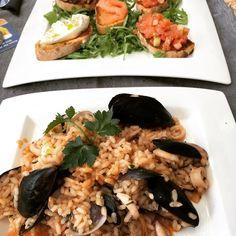 April 16 2016 at 06:18PM   Heute fand unser CAS Innovation Management Tag auf Schloss Thun statt. In der Mittagspause mussten wir in der City Feedback von Passanten abholen. In der City war auch das Restaurant Vinoteca: für mich gabs Risotto mit Meeresfrüchten. justi  #risotto#food#reis#meeresfrüchte#calamares#muscheln#food#lunch#eat#essen#mittag#bruschetta#thun#vinoteca #localgastro #localina