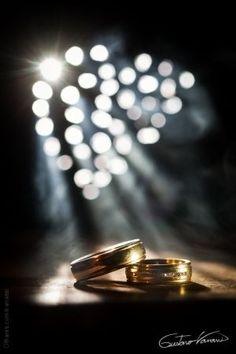 Macro/Alianças e luz mágica.