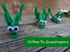 Clothes Pin Grasshopper for kids via www. Crafts To Do, Mom Unleashed, Crafts To Do Wäscheklammer Grasshopper . Insect Crafts, Bug Crafts, Daycare Crafts, Toddler Crafts, Crafts To Do, Toddler Activities, Preschool Activities, Crafts For Kids, Arts And Crafts