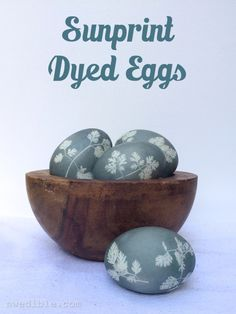 It's surprisingly easy to make these elegant Sunprint-styled, naturally dyed eggs. Give them a try!