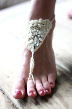 Gypsy crochet ankle bracelet, pearl Anklet, Bohemian festival jewelry, Hippie chic boho beach jewelry, Coachella Anklet, True rebel clothing