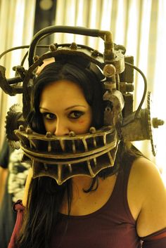 Horror Costume of the Month – Amanda Young from Saw <-- Nothing like going all out! High five!