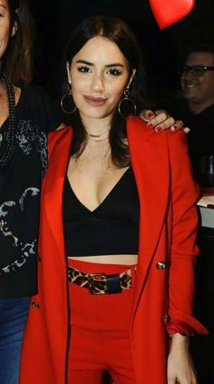 Red Leather, Leather Jacket, People, Jackets, Outfits, Style, Fashion, Frases, Brunettes
