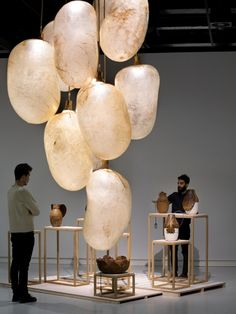When in the Netherlands, make sure to visit the Stedelijk Museum of 's-Hertogenbosch for this exhibition by Formafantasma – showing design made of animal products. From cow-bladder lights, fish-skin stools to plastic made of beetles. Bokashi, Stand Design, Edge Design, Design Design, Graphic Design, Showcase Design, Back To Nature, Design Thinking, Lighting Design