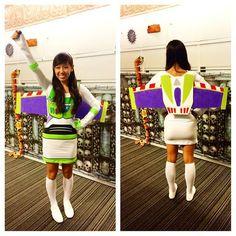DIY Buzz Lightyear Wings – crafting is sanity Buzz Lightyear Kostüm, Disfraz Buzz Lightyear, Buzz Lightyear Halloween Costume, Toy Story Halloween Costume, Office Halloween Costumes, Mom Costumes, Toy Story Costumes, Halloween Sewing, Costume Ideas