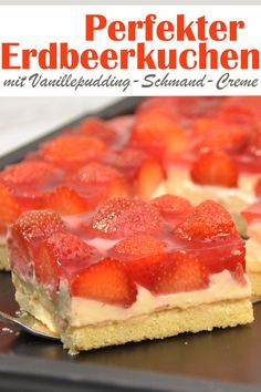 Der für mich perfekte Erdbeerkuchen mit einer Vanillepudding-Schmand-Creme – so… The perfect strawberry cake for me with a vanilla pudding sour cream – so delicious! Sheet cake, vegan possible, e. Cookie Recipes, Dessert Recipes, Smoothie Recipes, Fruit Smoothies, Smoothie Detox, Smoothie Bowl, Healthy Foods To Eat, Food Cakes, Coffee Cake