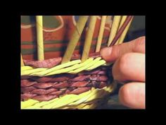 Cesteria indiana con periodicos - YouTube