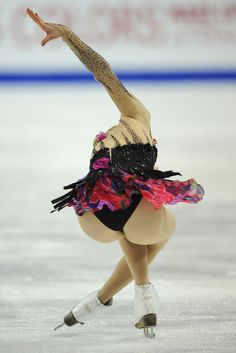 Carolina Kostner, Foto Sport, World Figure Skating Championships, Figure Skating Dresses, Gymnastics Girls, Athletic Women, Female Athletes, Sport Girl, Hot Bikini