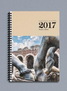 Agenda Settimanale o Giornaliera 2017 di Officina Grafica Editoriale con foto d'autore Verona di P. Varga in carta recliclata