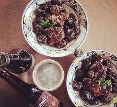 Μοσχάρι με δαμάσκηνα και μαύρη μπύρα