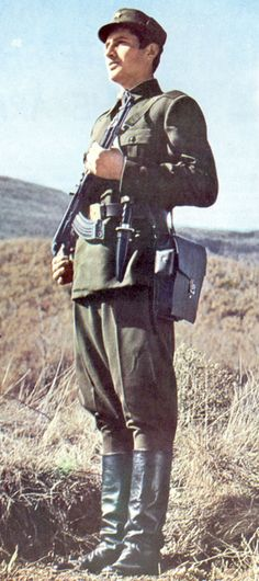 Enlisted soldiers' summer field uniform of the Albanian People's Army.