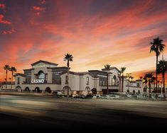 Best Hotels In Vegas, Las Vegas Hotel Deals, Bellagio Conservatory, Boulder City, Fremont Street, Caesars Palace, Planet Hollywood, Reef Aquarium, Las Vegas Strip