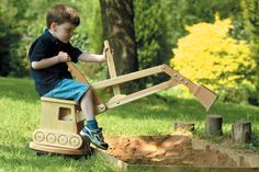 "Wooden Digger – Independent ""Best Buy"" for Summer Toys"