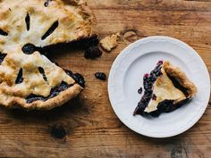 Chef Chris Fischer uses tapioca in the filling of the blackberry and blueberry pie to thicken the juicy berry mixture. Saveur Recipes, Pie Recipes, Baking Recipes, Easy Recipes, Recipies, Dessert Recipes, Grape Pie, Bean Pie, Blackberry Recipes