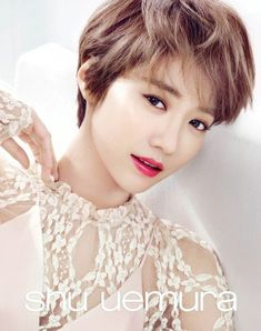 Actress Go Joon Hee recently filmed a pictorial for Japanese cosmetics brand Shu Uemura, where she showed off her 'fashion icon' charms with four trending lipstick colors of 2016 from the brand's new collection. Blunt Cut Long Hair, Bangs With Medium Hair, Very Short Hair, Short Hair Cuts, Medium Hair Styles, Short Hair Styles, Prom Hairstyles For Short Hair, Hairstyles With Bangs, Cool Hairstyles