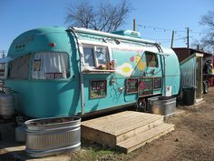 the local yolk food trailer austin