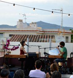Maria Coma & Pau Vallvé en concert a la terrassa del Portal 22 de Valls
